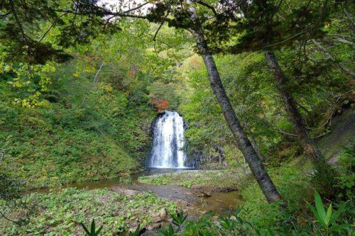熊越の滝遠景