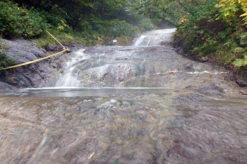 一の滝までの中間点