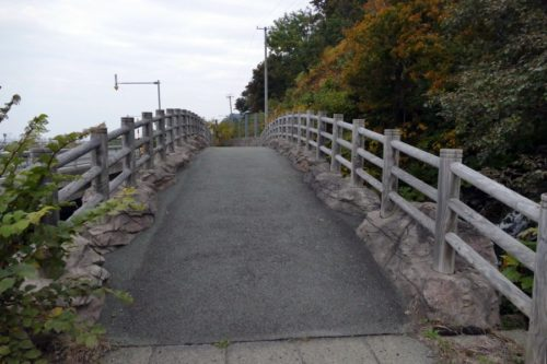アーチ形の橋